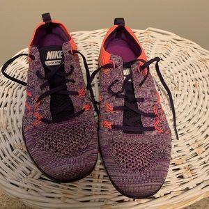 Nike Flyknit TR Focus training gym shoe, Sz 6